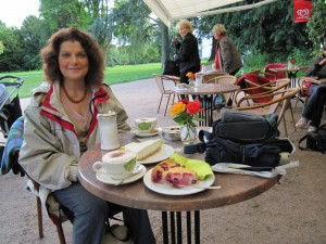 Kaffeetrinken im Jenisch Park