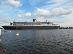 Die Queen verläßt den Hafen